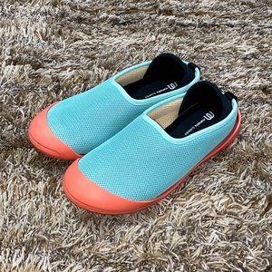 Mahabis Summer Slippers Women's size 8.5